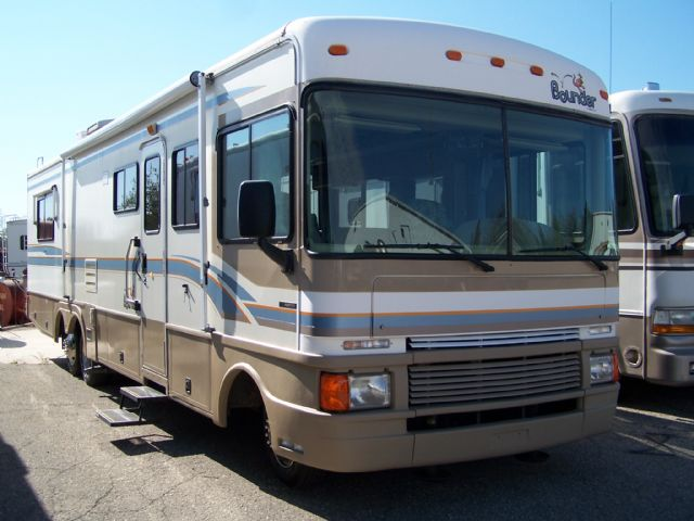 Bounder  34V - Stock # : 0161 Michigan RV Broker USA