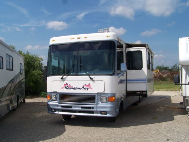 Newmar Mountain Aire  - Stock # : 0274 Michigan RV Broker USA