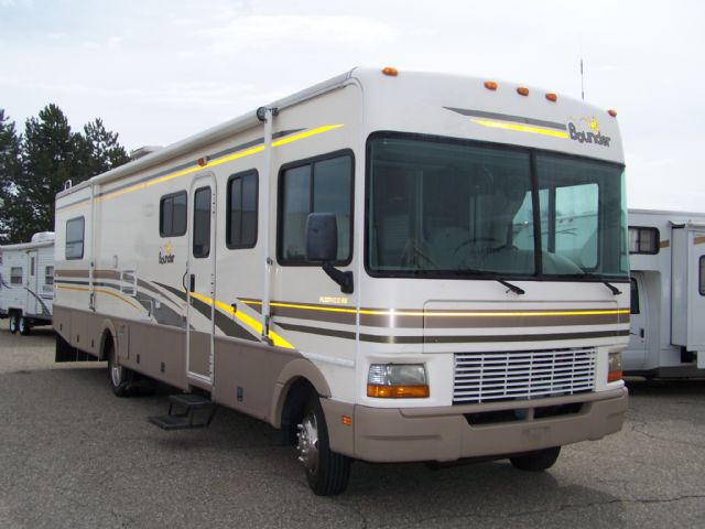 Fleetwood Bounder 36S - Stock # : 0296 Michigan RV Broker USA