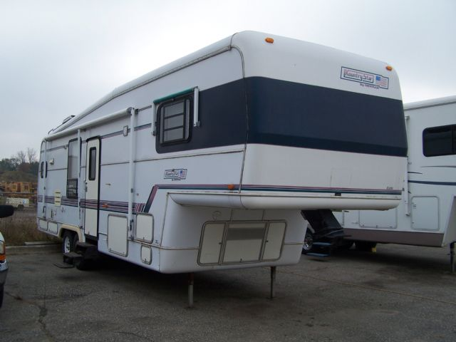 Newmar Kountry Star  - Stock # : 0083 Michigan RV Broker USA