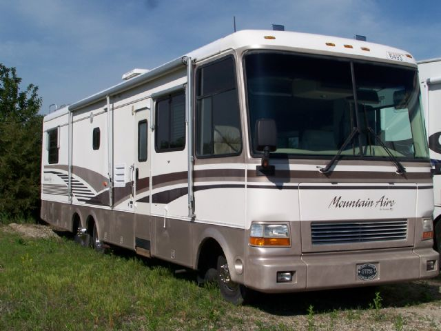 Michigan rv broker usa newmar mountain aire for Mountain aire