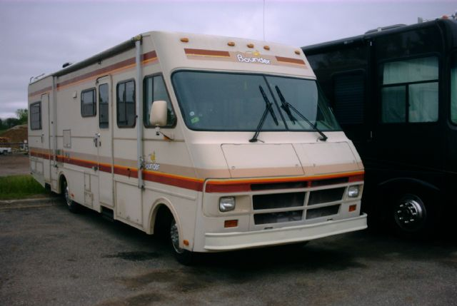 Bounder   - Stock # : 0012 Michigan RV Broker USA