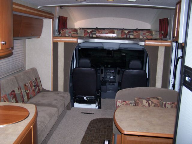 Winnebago Navion 24 H  - Stock # : 0057 Michigan RV Broker USA